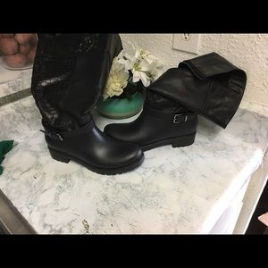 Black tall genuine leather boots